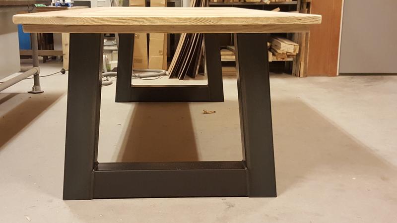 Trapezium onderstellen set stalen interieurs for Stalen onderstel tafel laten maken